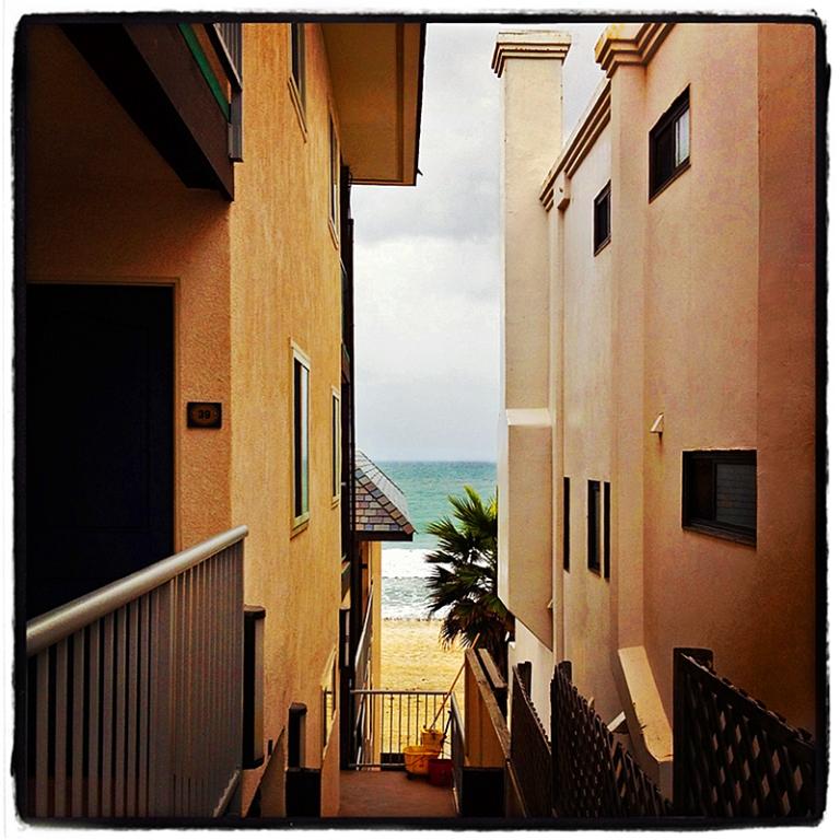 Between Beach Houses Blog iDiarist