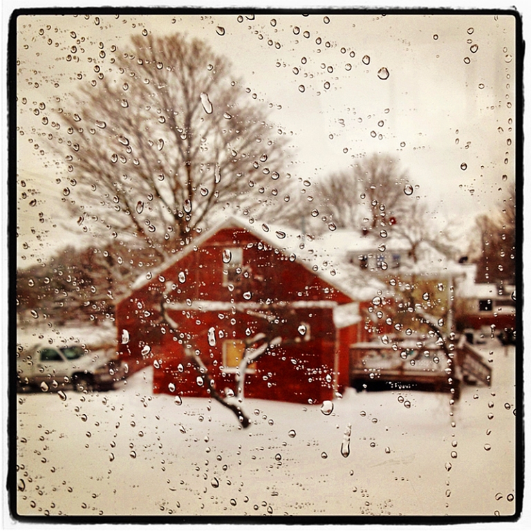 Red House in Snow Blog iDiarist