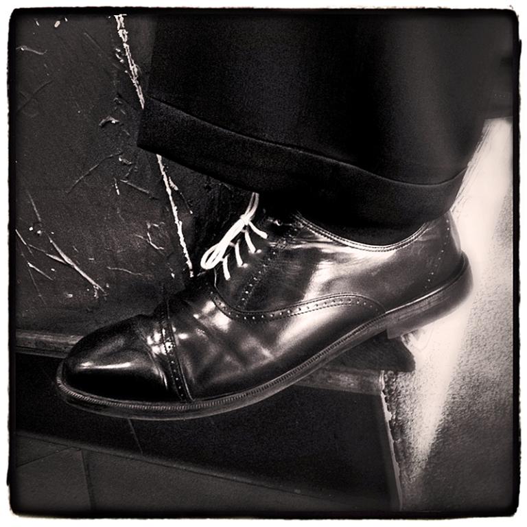 A Man's Shoe in Vinaka Cafe Blog iDiarist