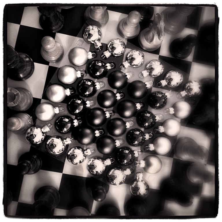 Chess & Xmas Balls Blog iDiarist