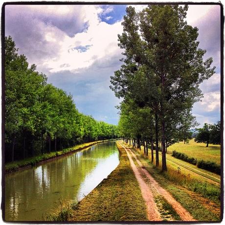 Burgundy Canal Blog iDiarist